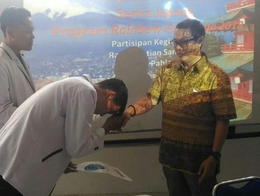 Ketua STIBA INVADA Lepas Mahasiswa Program Rainbow Exchange